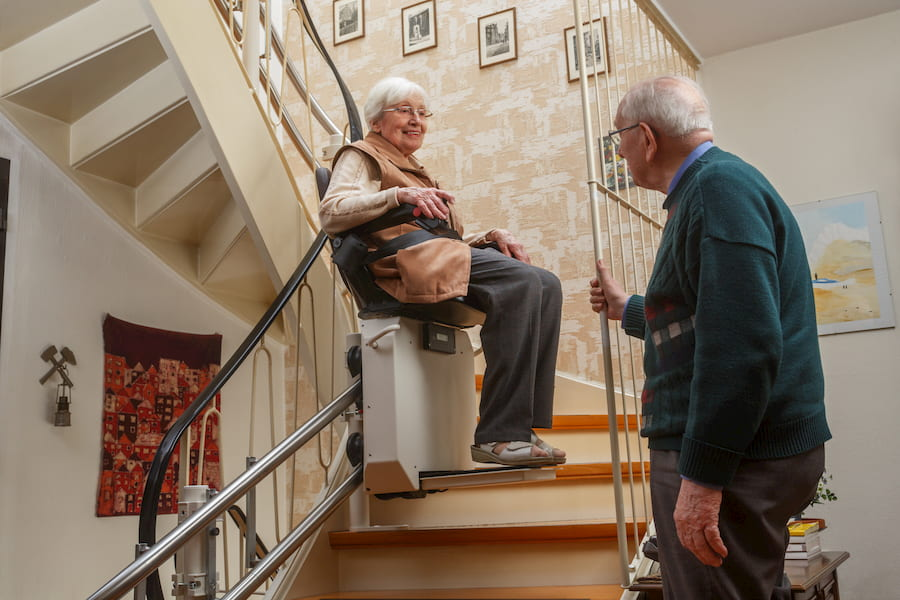Treppenlift © Ingo Bartussek, stock.adobe.com