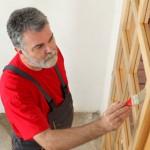 Grundierung von Holzoberflächen