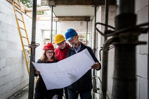 Überwachung der Baustelle mit Bauherrenberater © Bauherren-Schutzbund e.V.