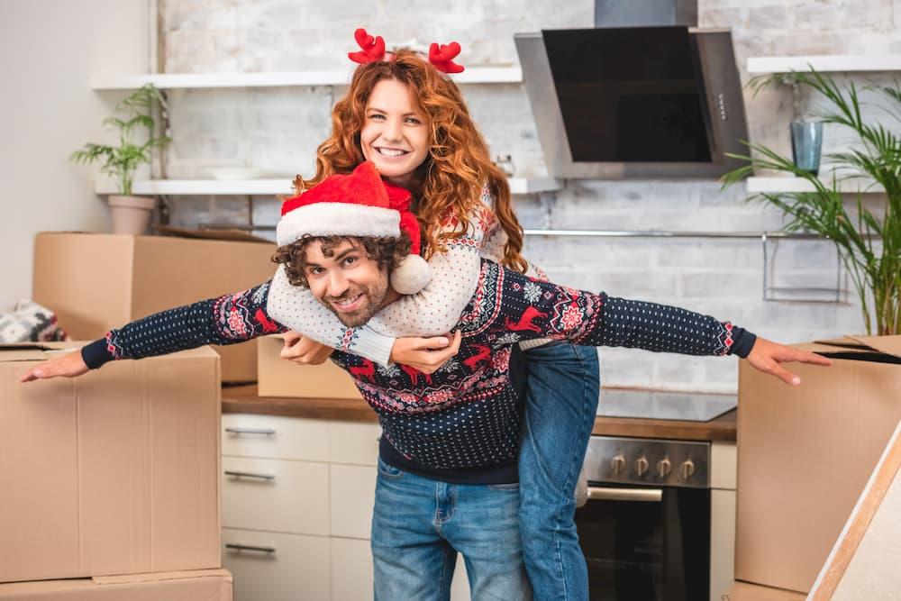 Umzug rund um die Weihnachtszeit © LIGHTFIELD STUDIOS, stock.adobe.com