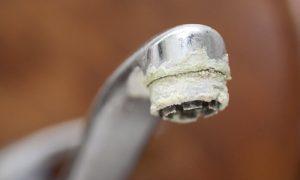 Wasserhahn und Armaturen entkalken