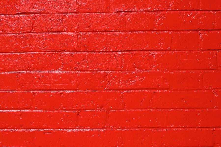 rot glänzende Wand © Robert stock.adobe.com