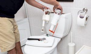 WC-Spülkasten entkalken und reinigen