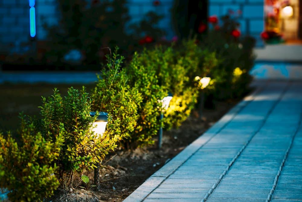 Beleuchtung im Garten © Grigory Bruev, stock.adobe.com