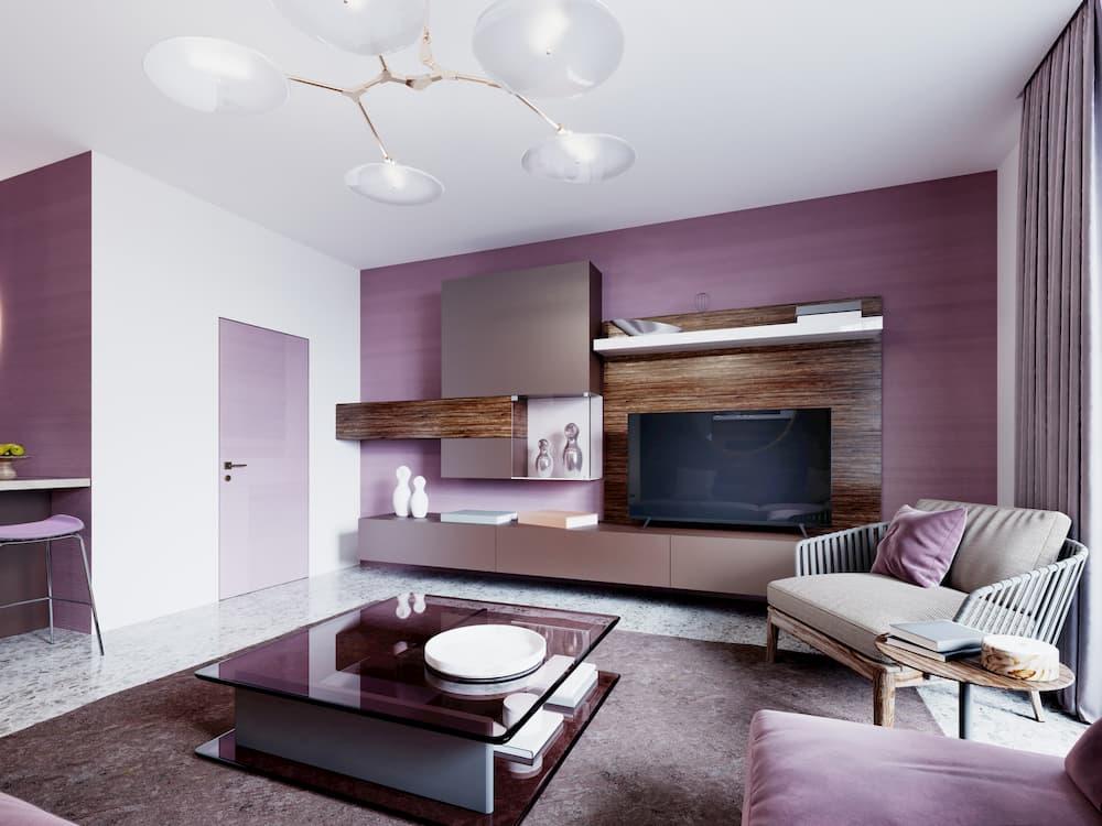 Wohnzimmer mit violetter Wand © ostap25, stock.adobe.com