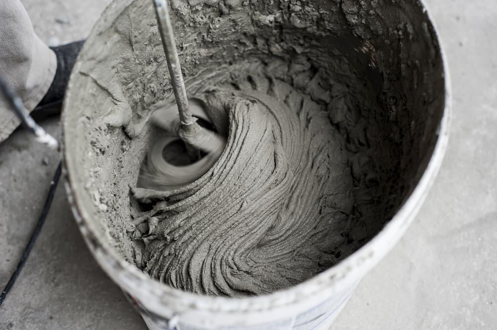 Zementkleber © Zoran, stock.adobe.com