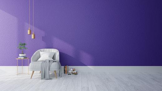 Zimmer mit violetter Wand © wachirawutlek, fotolia.com